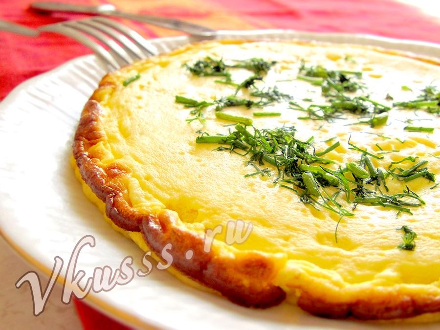 рецепт омлета на сковороде пышный с молоком фото