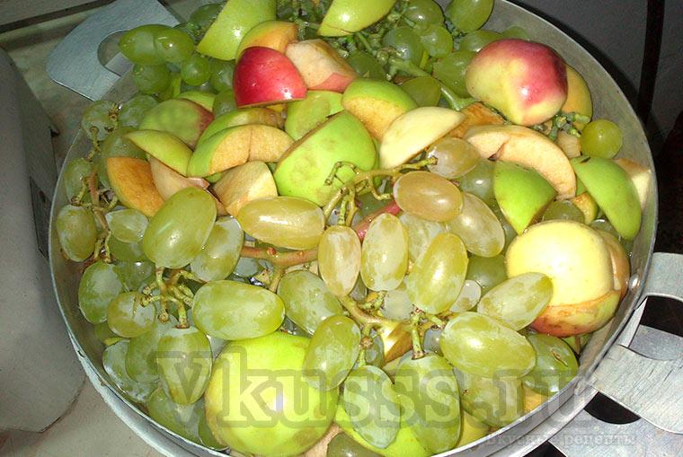 Яблочный сок с виноградом