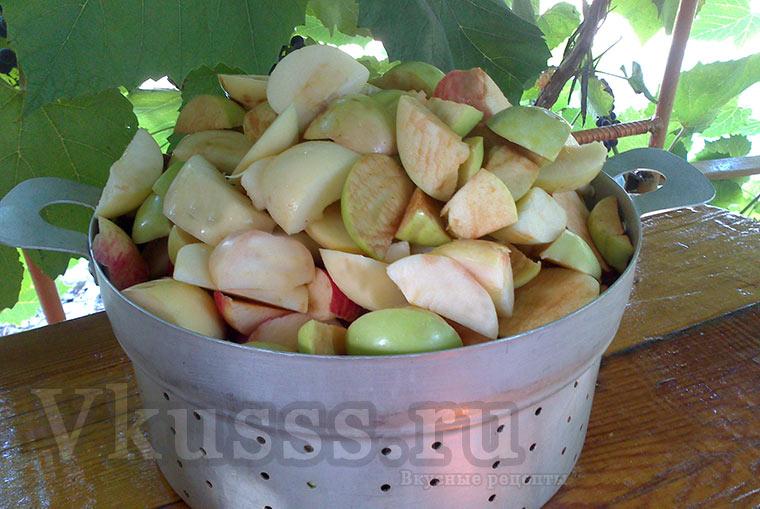 Порежем яблоки
