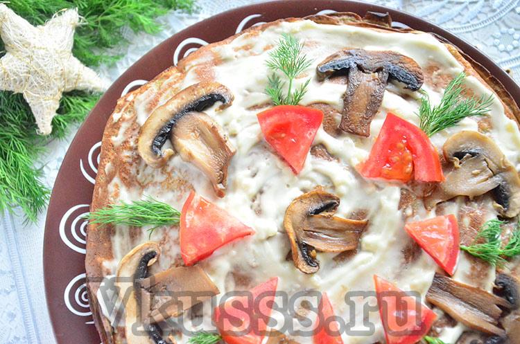 Сытный и вкусный печеночный торт с грибами: простой рецепт