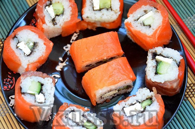 Роллы завернутые в красную рыбу