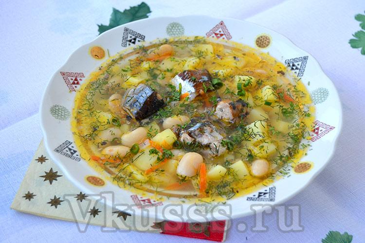 Ароматный суп из консервов сайры с фасолью