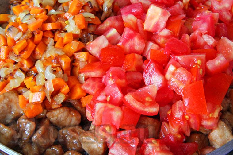 Свинина по-китайски, тушим с овощами