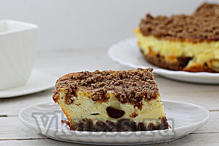 Вкусный торфяной пирог из творога и какао с начинкой из вишни