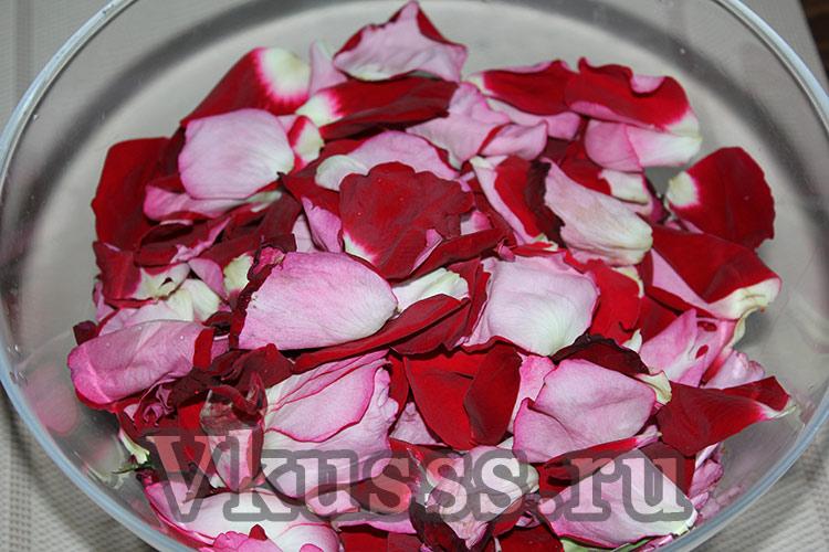 готовим варенье из лепестков розы