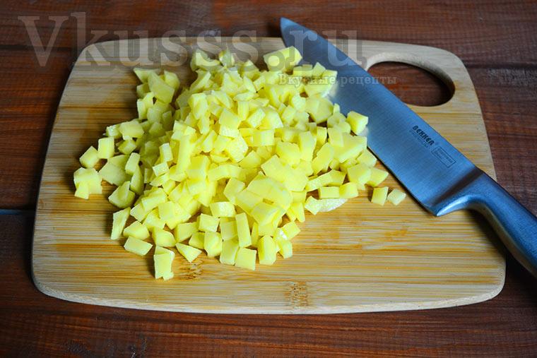 Треугольники с мясом и картошкой