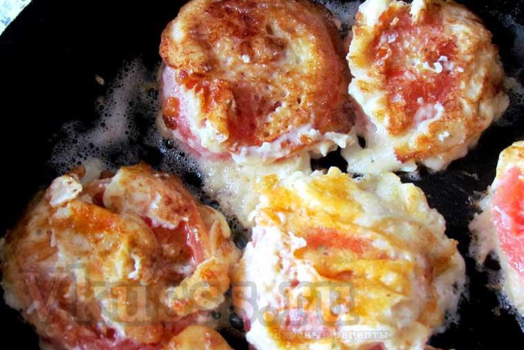Поджариваем помидоры в кляре с сыром