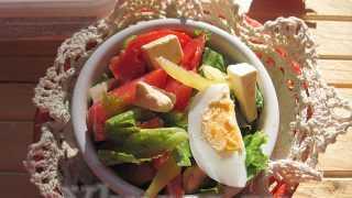 Вкусный салат с сыром фета: рецепт по шагам