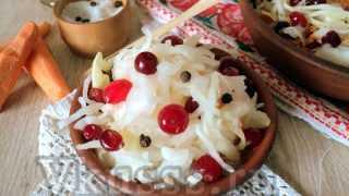 Квашеная капуста с клюквой: вкусный рецепт с фото