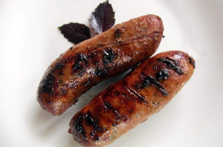 вкусные домашние колбаски в кишке со сливками