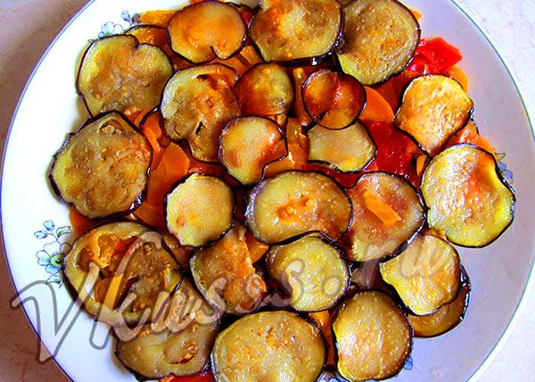 вкусные жареные баклажаны с помидорами