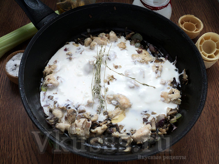 Готовим жульен с курицей и грибами в сливках