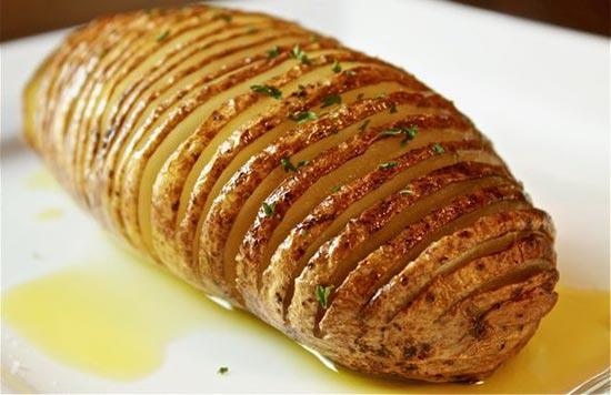 Как приготовить запеченный картофель с кожурой