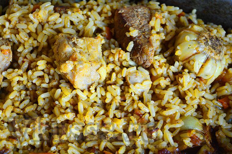 Рис из свинины в казане