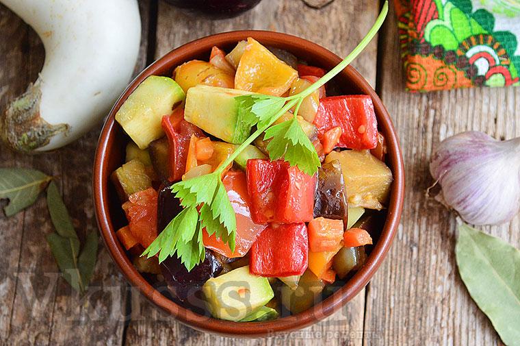 Вкусное рагу из овощей с баклажанами и кабачками